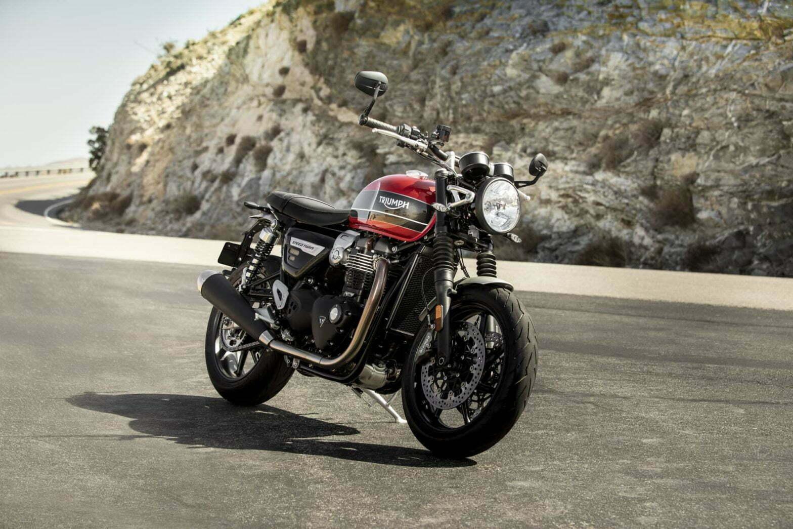 La Triumph Speed Twin es la nueva moto neoretro de Triumph y llega con 97 CV