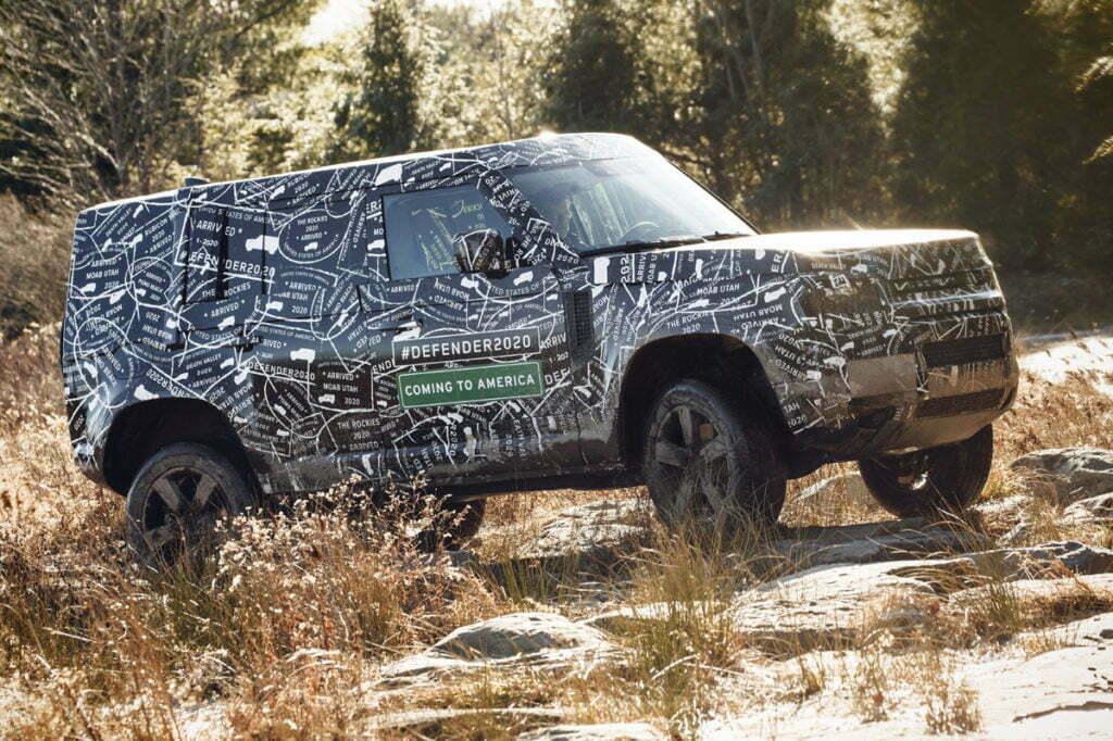 Nuevo Land Rover Defender en el campo